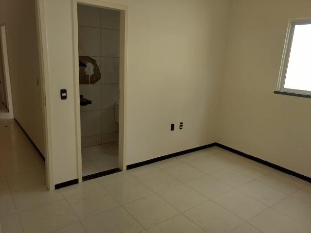 Casa Plana na Pavuna no valor de R$ 130.000 com 1 quarto, 1 suíte, ampla vaga de garagem - Foto 2