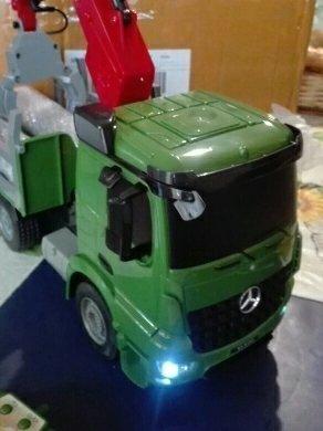 Miniatura caminhão muki Mercedes-Benz 1:26