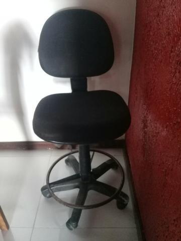 Cadeira giratória p balcão