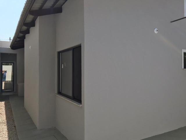 Casa Plana no Eusébio, 3 quartos, suítes, churrasqueira, excelente localização! - Foto 9