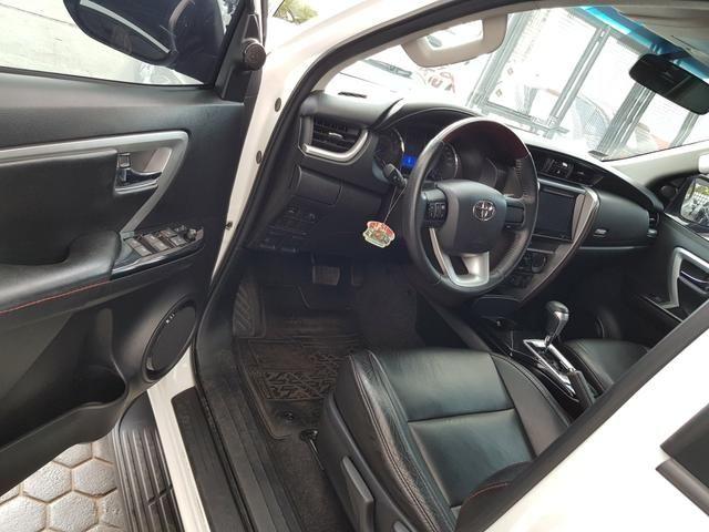 Toyota sw4 16/17 flex cambio aut com 44.897 km rodados - Foto 3
