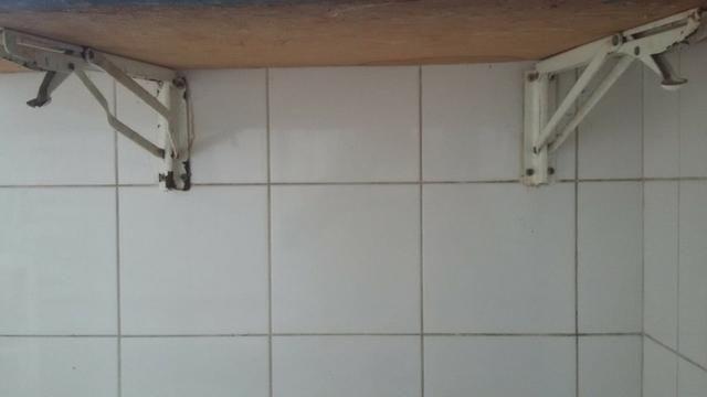 Mesa p/ cozinha com 3 cadeiras inclusas - Foto 5