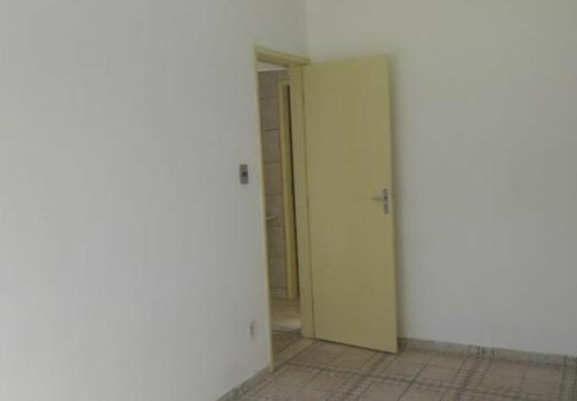 Alugo apartamento R$700- proximo ao shopping em condominio