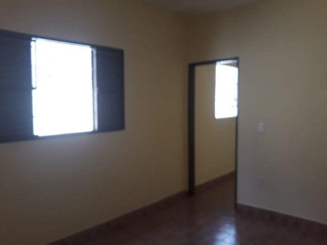 Vendo Casa Com Garagem 1 Dormitório Jardim Conduta Aceita Financiamento - Foto 16