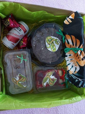 Festa na caixa e  cesta de guloseimas  - Foto 4