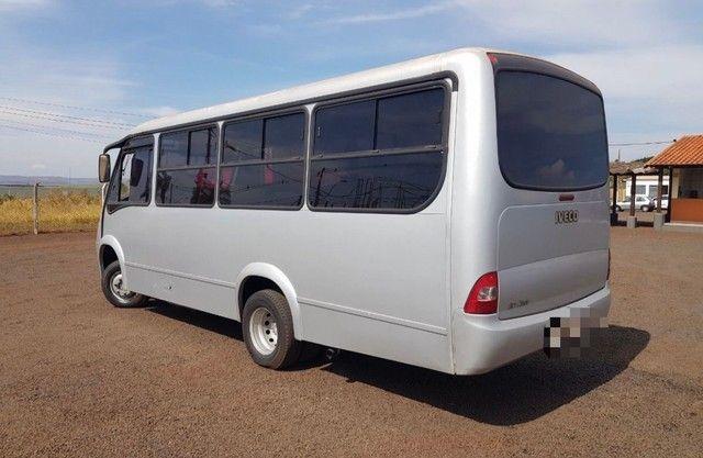 Micro Ônibus Neobus 24 Lugares Iveco Ano 2004 - Foto 4