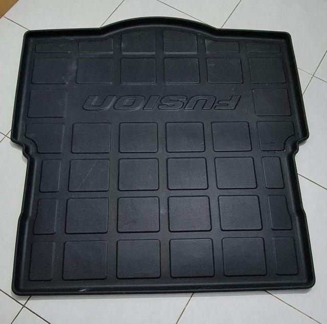 Proteção porta malas Fusion NOVÍSSIMO  - Foto 2