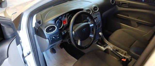 Focus sedan 2.0 ótimo estado - Foto 3