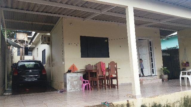Casa no Tancredo Neves mais 2 apartamentos