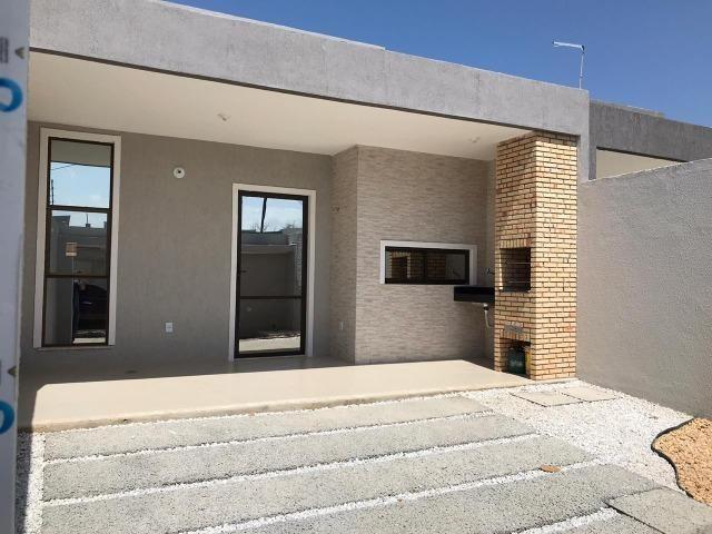 Casa Plana no Eusébio, 3 quartos, suítes, churrasqueira, excelente localização!