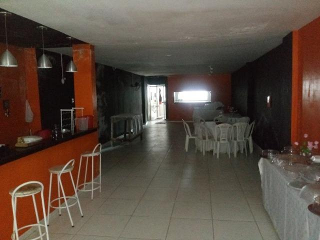 Vende-se ou Aluga-se Porteira fechada prédio dois andares, prox. a Almirante Barroso - Foto 4
