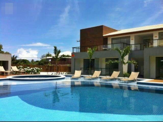 Condomino Solaris Village 2/4 mobiliado em Imbassai R$ 410.000,00