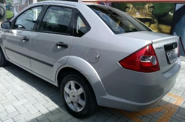 "Fiesta Sedan 1.0 Class Completo Impecável BX Km ""Impecável"" - Foto 13"