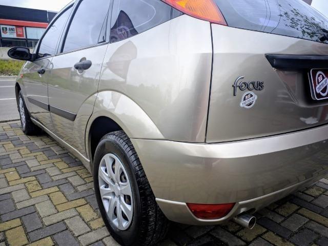 Focus Hatch 1.8 Ano 2003 - Foto 15