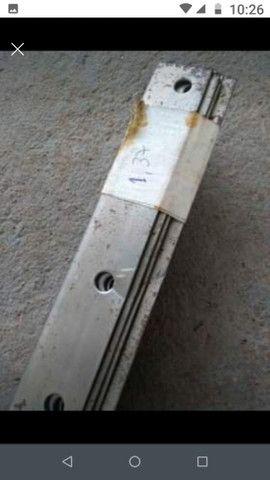 Cantoneira pé de prateleira aço - Foto 2