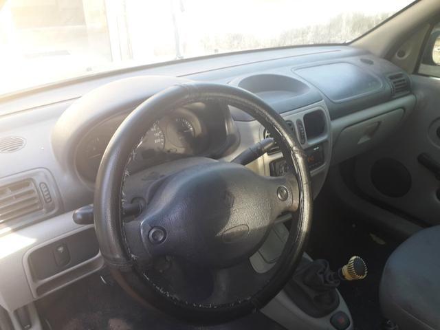 Clio Sedan 16v 1.0 4 portas (leia) - Foto 3