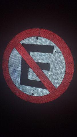 Placa de proibido estacionar  - Foto 2