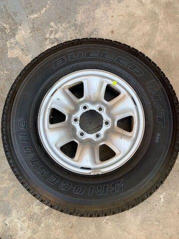 Vendo 4 pneus cada um de uma medida todos novos zero com rodas  - Foto 5