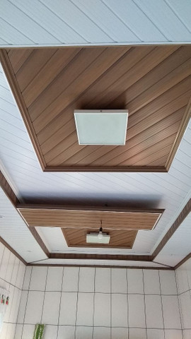 Forro PVC com detalhes tipo sanca de gesso * - Foto 4