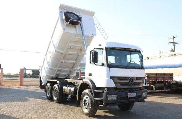 Caminhão MB 3131 6×4 Caçamba Basculante