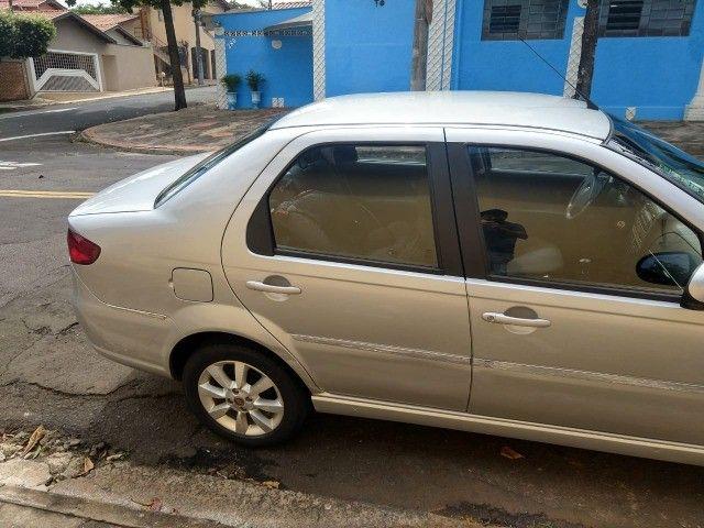 fiat siena 1.6 essence 16v 2012 completo - Foto 3