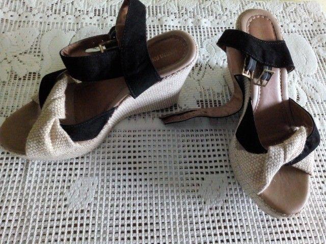 Vendo sandália de salto - Foto 2