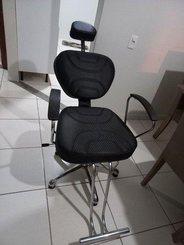 Cadeira de cabeleireiro e barbeiro
