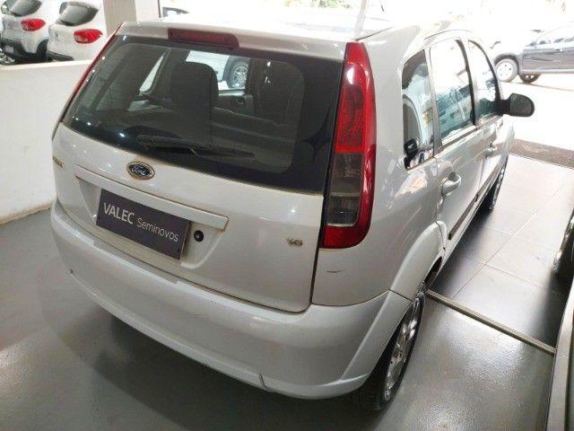 Ford Fiesta Rocan 1.6 8V 2013 branco - Foto 3