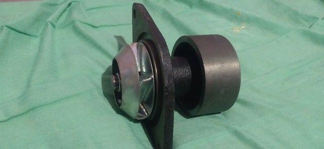 Bomba do hidraulico Ford f4000 f350 e outros e bomba d'gua Ford - Foto 4