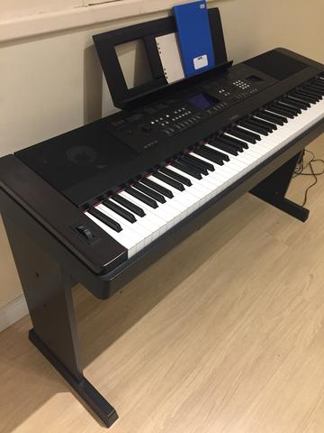 piano yamaha dgx 650 instrumentos musicais centro. Black Bedroom Furniture Sets. Home Design Ideas