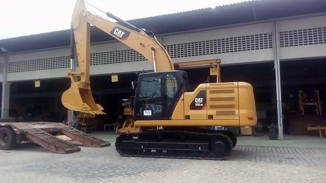 Escavadeira Caterpillar 320 Peso Operacional : 22.220 kg 2021
