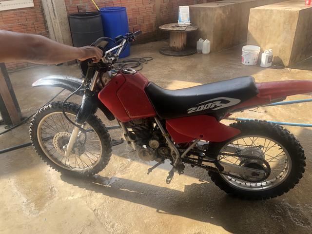 Vendo moto Xr200 boa para ramal - Foto 2