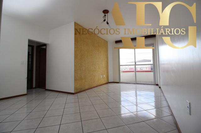 Apartamento com 3 dormitórios 1 suíte com elevador e sacada, próximo ao trevo de Barreiros - Foto 3