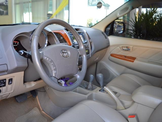 Toyota Hilux SW4 Srv 7 Lugares 4X4 AS - Foto 9