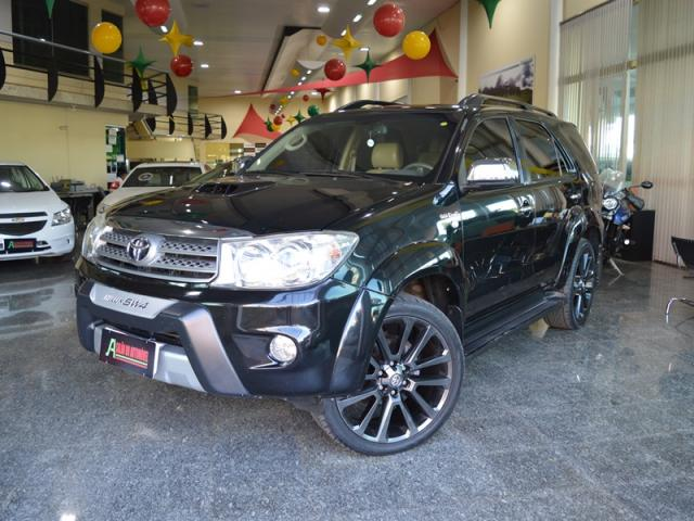 Toyota Hilux SW4 Srv 7 Lugares 4X4 AS