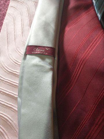 Vendo 8 gravatas 70 reais todas novas são boa as marcas - Foto 4