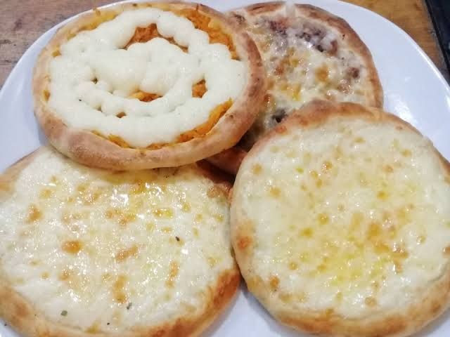 Esfihas é pizzas feitas em forno a lenha esfihas a partir (2 reais) - Foto 6