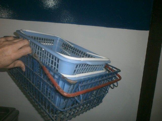 treis cestinhas de mercado de plástico - Foto 4