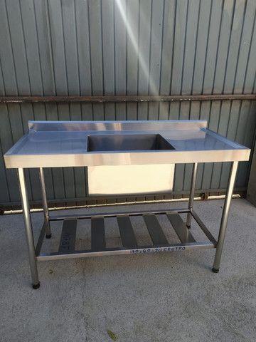 Pia industrial 1400x600x900 aço inox com paneleiro - Melhor preço