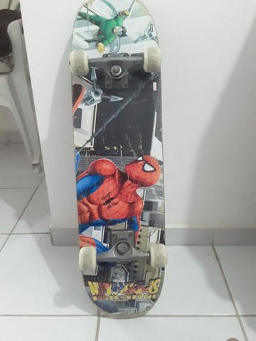 Skate usado com desenho,dá Marvel. - Foto 3