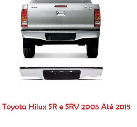 Parachoque Traseiro Cromado Toyota Hilux SR e SRV 2005 Até 2015 Com Luz e Suporte de Placa