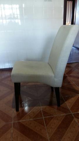 Mesa com 4 cadeiras estofadas - Foto 2