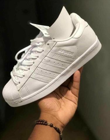 Adidas Total Black e total White - Foto 2