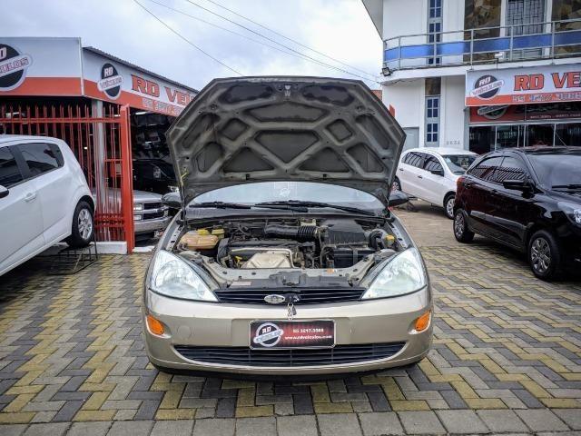 Focus Hatch 1.8 Ano 2003 - Foto 11