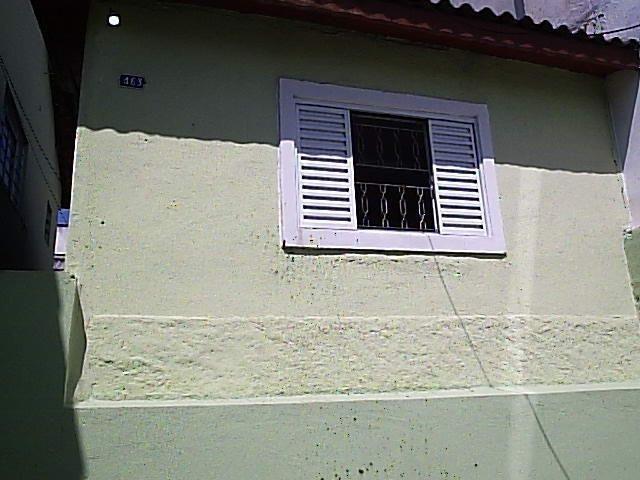 Casa de 1dorm 5x5,sala e coz conjugado,banh,com armario