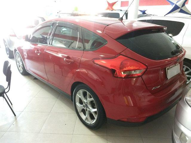 Ford Focus Hatch 2.0 Autom. Titanium Top Completo + Gnv 5 Geração - 2016