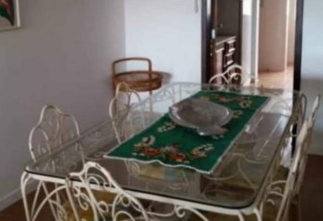 Mesa de jantar de ferro com 06 cadeiras