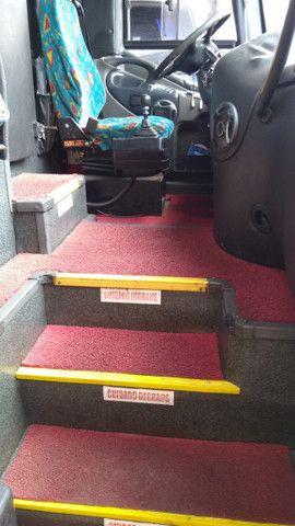 Vendo Ônibus irizar 2000/2000 46 lugares skania 124 ar condicionado executivo - Foto 15