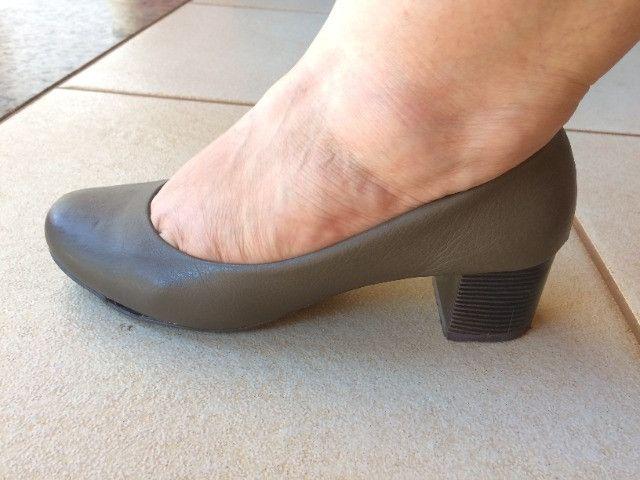 Sapato de salto feminino Ana Flex - Foto 2
