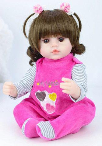 Boneca bebê Reborn Menina realista a pronta entrega 42 cm  - Foto 4